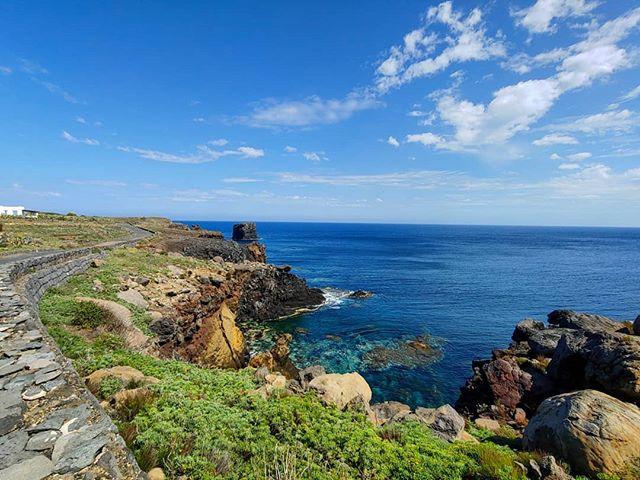 ⚓ #ustica #islandhopping #sicilia #erlebees