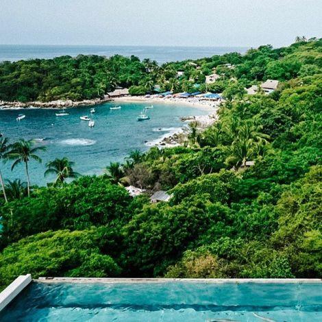 Que lindo es México! 🇲🇽 #vivamexico #puertoescondido #poolside…