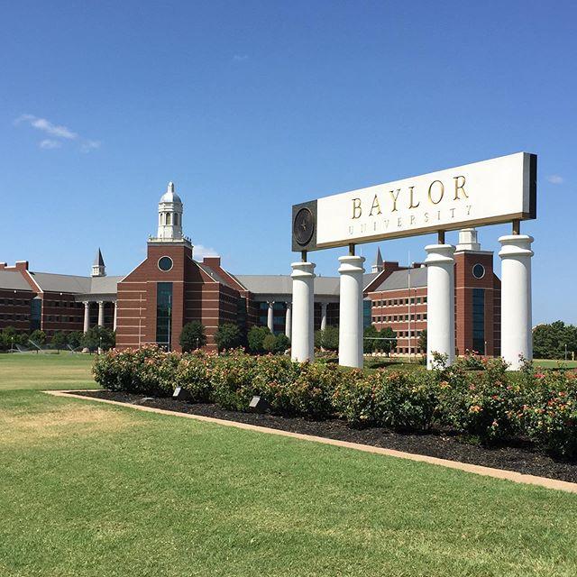 Baylor University | Campus #erlebees #daad #daadscholarship #bayloruniversity…