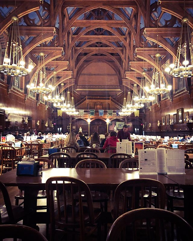 Study break in Hogwarts 🕯🍽✨…