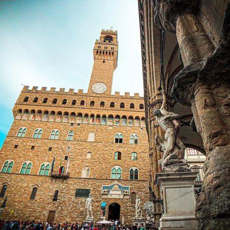 Dieses Bild hat so viele Details wie Florenz Pizzerien. 🤭 .…