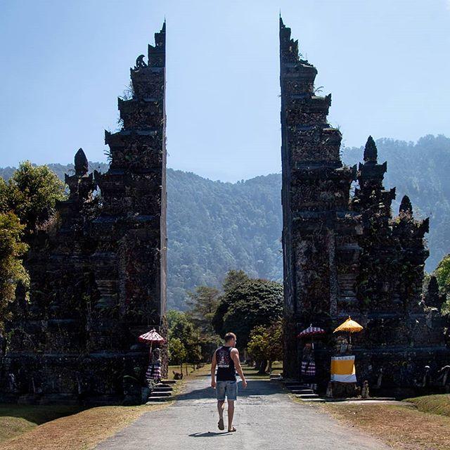 Von einem Abenteuer ins Nächste. 🇮🇩 Mein Auslandssemester auf Bali ist…