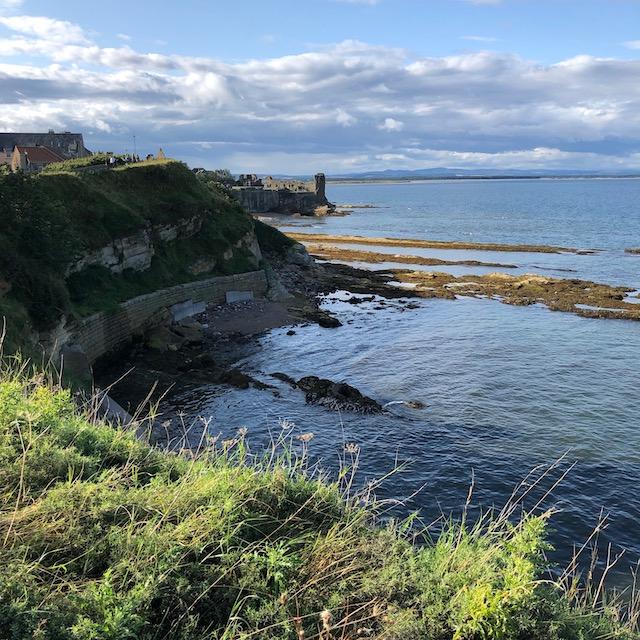 Blick auf die Burgruine in St. Andrews