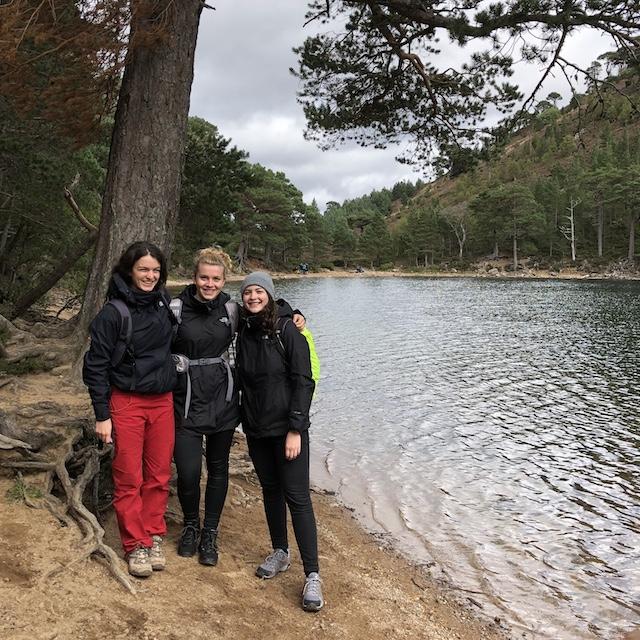 mit meinen Freunden am Loch Uaine