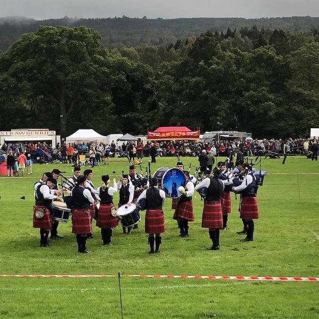 Nach dem Tag bei den Highland Games habe ich erstmal genug von Dudelsackmusik.