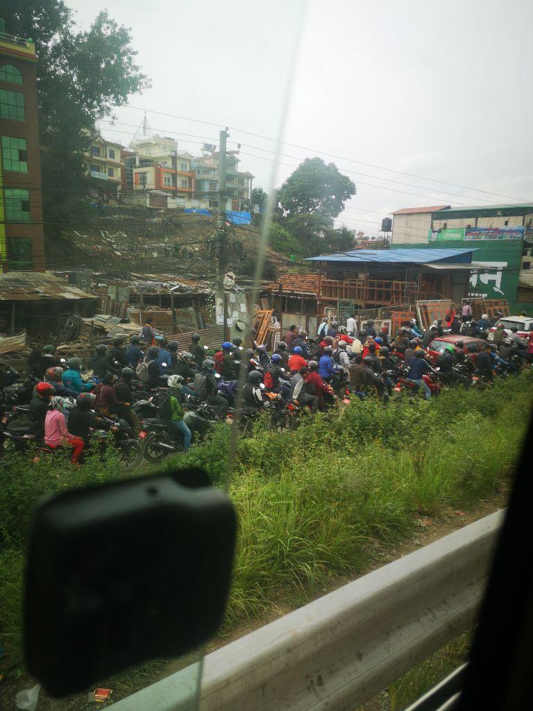 Motorrad-Chaos in Nepal