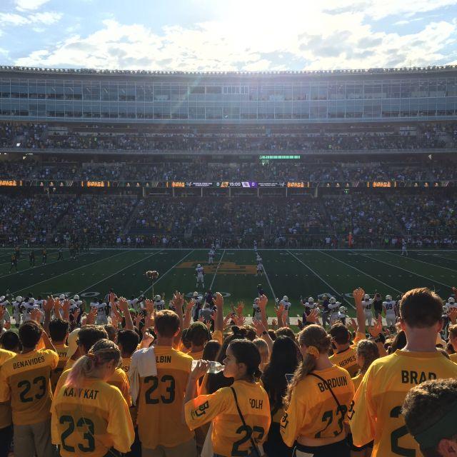 Fans bei einem Footbalspiel.