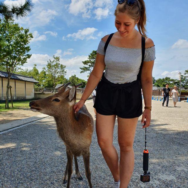Ich mit einem Reh in Nara