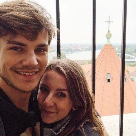 •Einmal den 91 Meter hohen Turm der Kathedrale von Szeged hoch, die Aussicht…