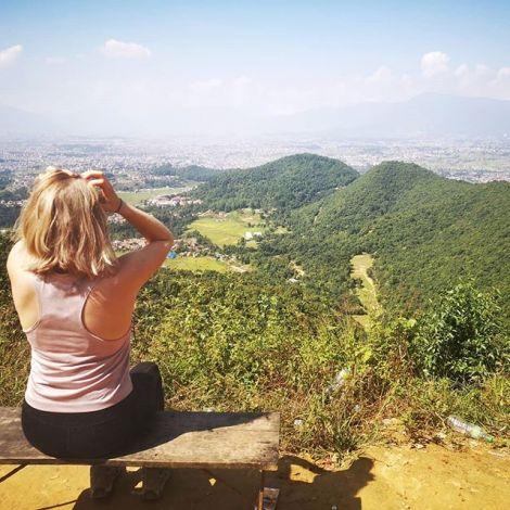 Am Montag habe ich meine erste kleine Wanderung in Nepal gewagt. Nach cirka 2…
