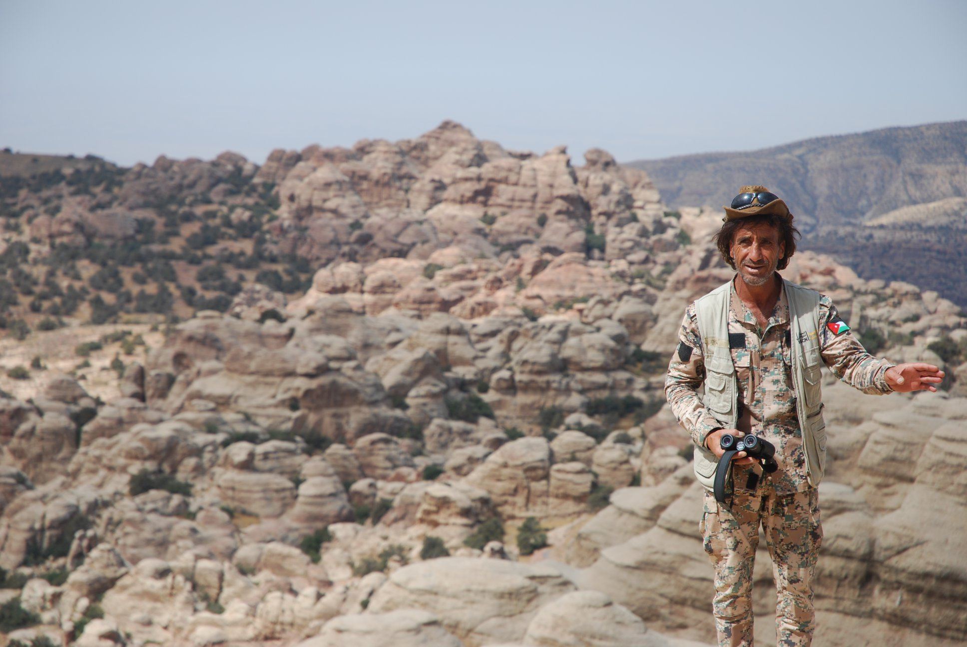 Jordanischer Ranger, nach einer Teekanne unser bester Freund im Reservat…