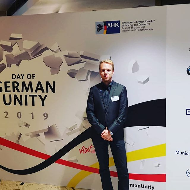 German unity event in the Kempinski Hotel in Singapore. Brezeln und Currywurst…