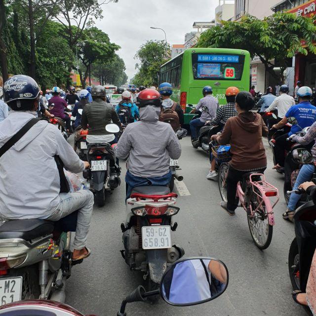 Auf den Straßen von Ho Chi Minh ist immer Verkehr