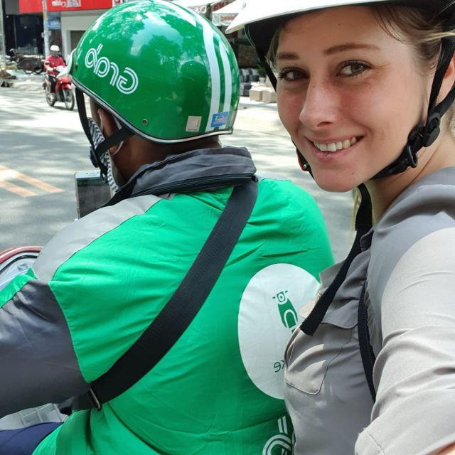 """Ich als Mitfahrerin auf einem """"Grab"""", dem vietnamesischen Uber"""