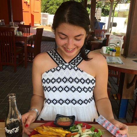 Essen 🥘: Das ist immer ein großes und schwieriges Thema für mich. Ich esse…