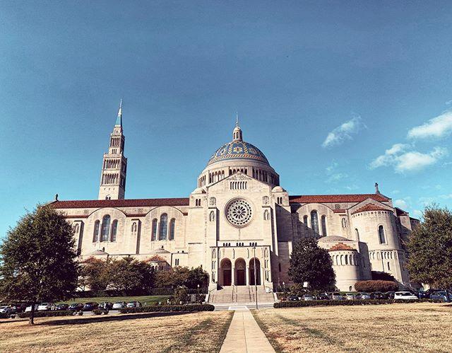 Was man so alles auf dem Campus findet. Die Basilica of the National Shrine of…