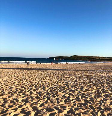 Mal eben am Abend nach deinem #Praktikum eine Runde #Surfen gehen? In #Sydney…
