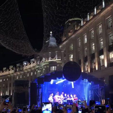 Gestern wurde hier in London offiziell die Weihnachtszeit eingeläutet.…