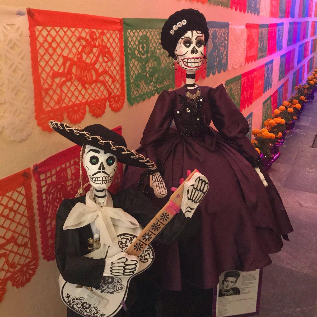 Eine der schönsten Traditionen, die ich bisher in #Mexiko gesehen habe: Der…