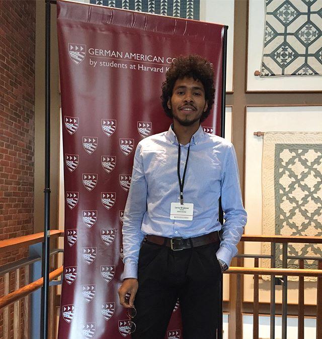 Derzeit bin ich auf der German American Conference an der Harvard University…