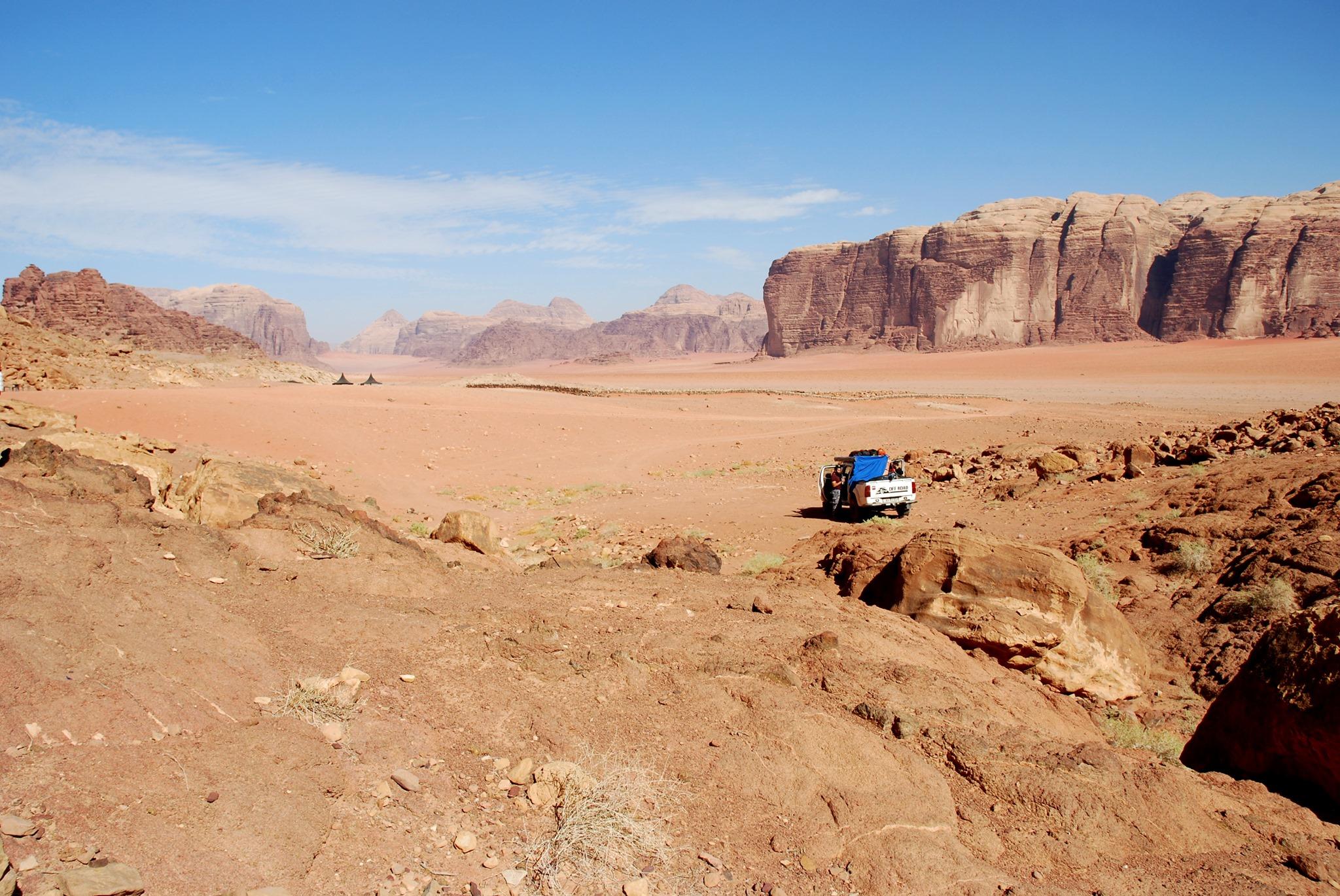 Immer tiefer in die Wüste. …