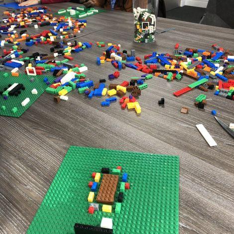 Eine ganz normale Project Management Class an der LSBU 🧩🤓 Mit den Lego…