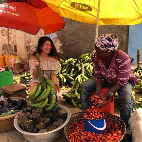 Kochbananen gibt es in nahezu jedem Restaurant. Sie sind sehr beliebt in Ghana.…