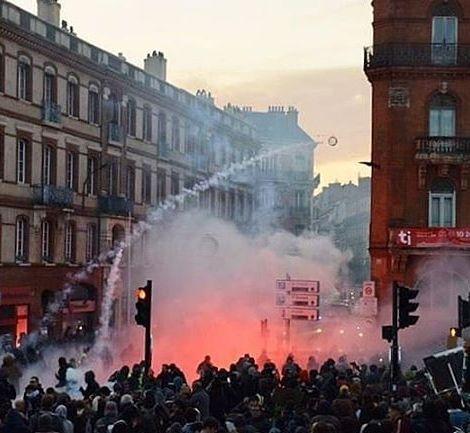 Am Donnerstag war in Frankreich großer Generalstreik, der größte Protest in…