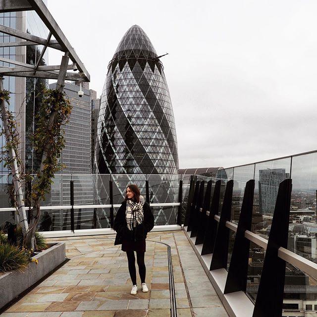 Mein Lieblingsgebäude in London? The Gherkin! 🥒😅 #erlebees #london…