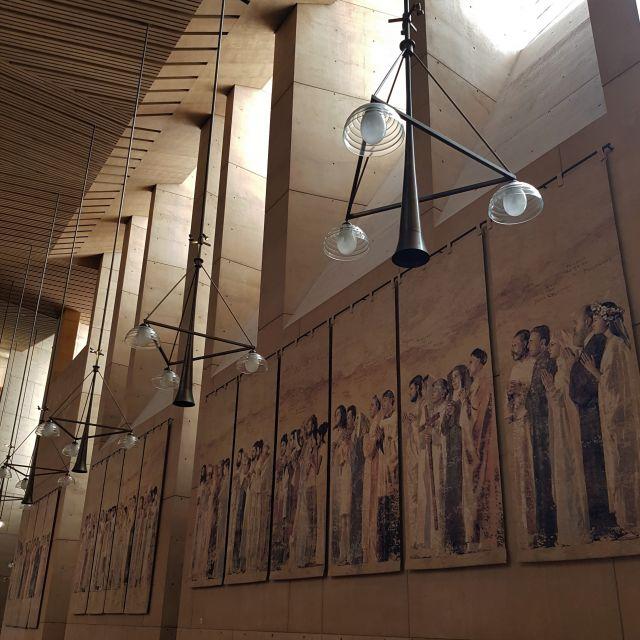 Eindrucksvolle Lichter und Wände
