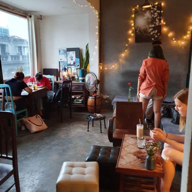 Der Innenraum des Mockingbird Cafés.