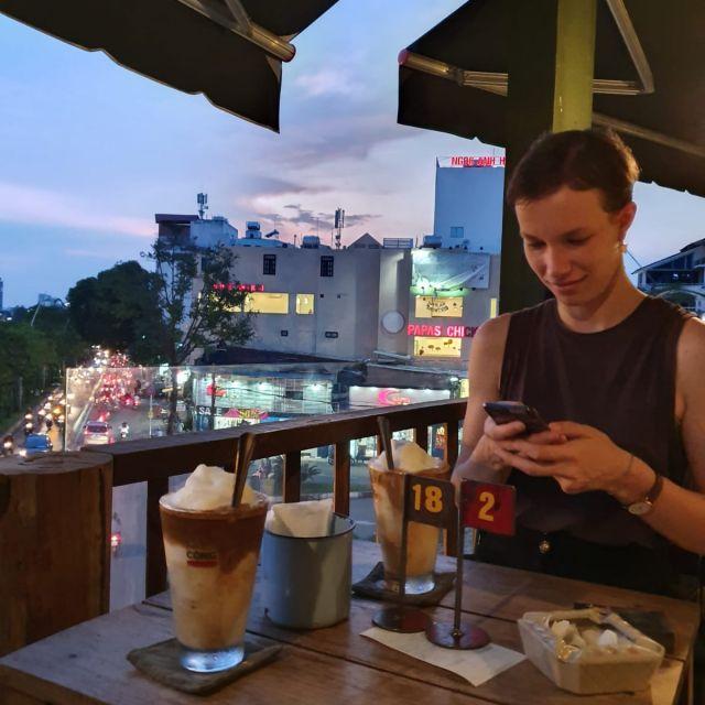 Kaffeedate mit Jessi auf der Terrasse im Cong Ca Phe.