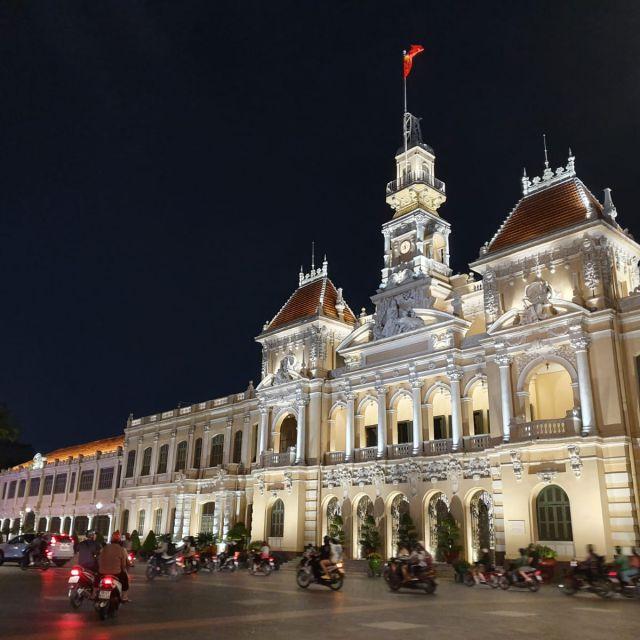 Das Rathaus an dem einen Ende der Walking Street.