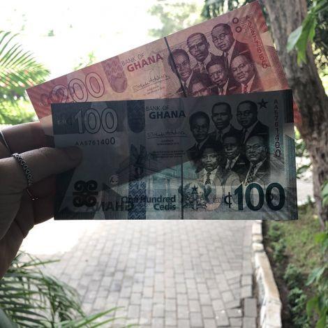 Das sind ganz neue 100er/200er Scheine! Die gibt es erst seit Dezember 2019.…