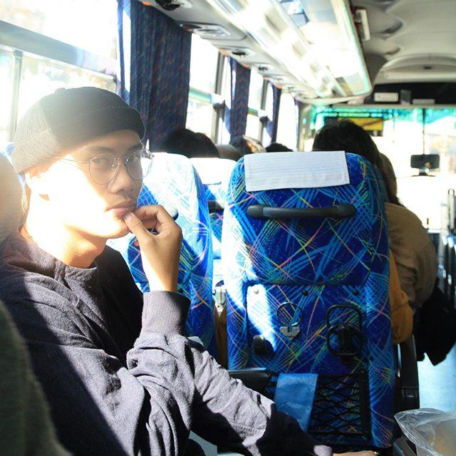 Ich im Bus.