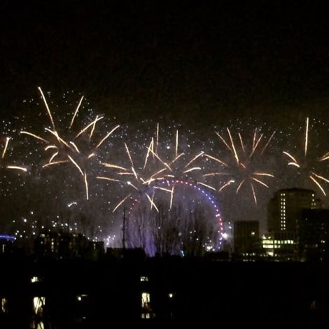 Hello 2020 🙌🏼🎆🎊 #nye #londondoesitbest #erlebees