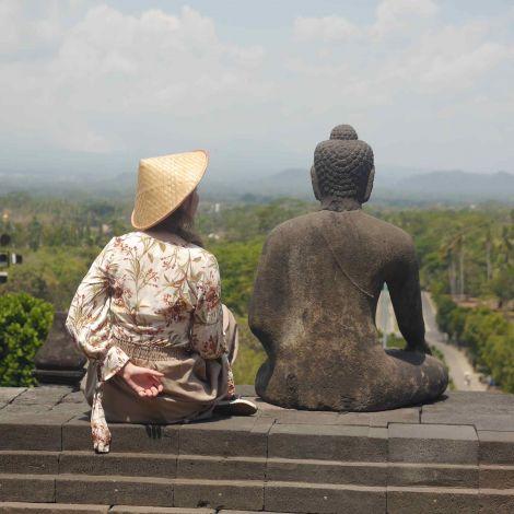 Buddha beim Borobudur Tempel