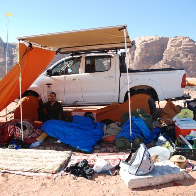 Essen mit und Camping in der Wadi Rum Wüste, Jordanische Gastfreunschaftlichkeit!