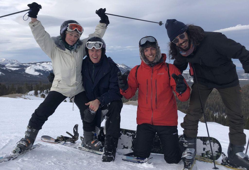 Skifahren mit Freunden