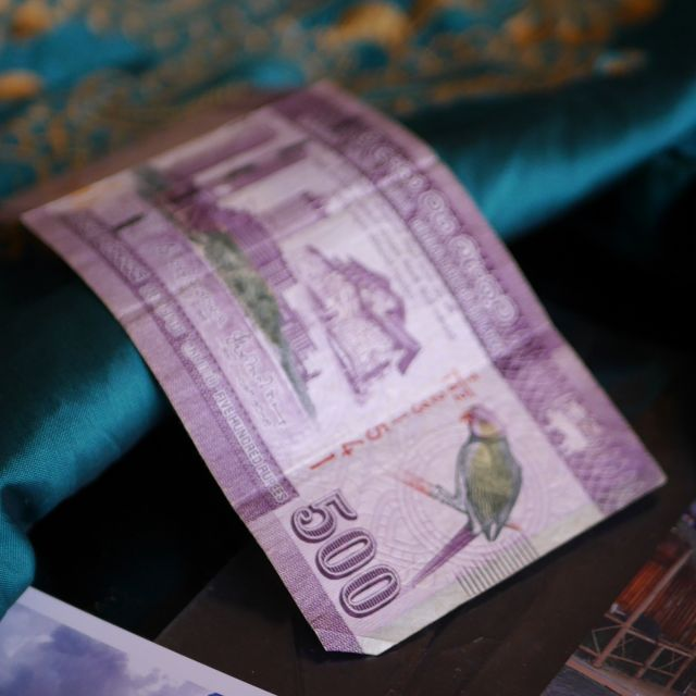 500 Sri Lanka Rupien sind umgerechnet 2,50 Euro.
