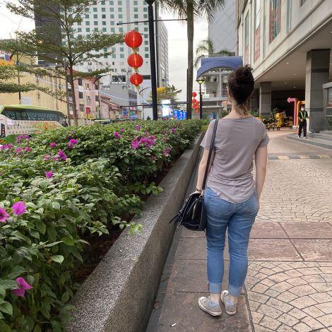 Blick auf die Straße in Johor Bahru