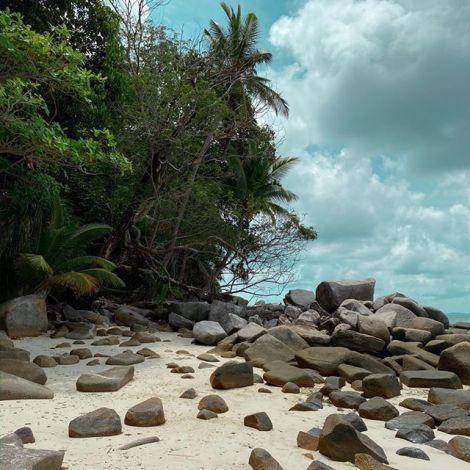 Salziges Wasser, weicher Sand und spitze Steine 🗺🏝 #ErlebeEs