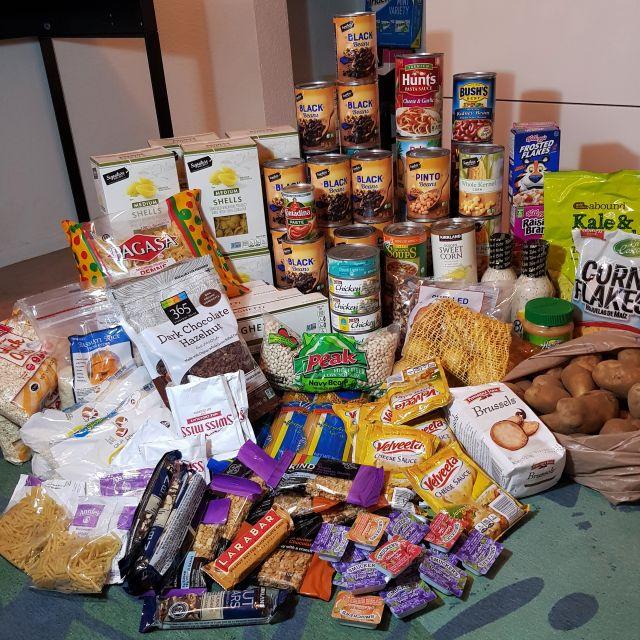 Dank kostenloser Essensausgaben angesammelte Reserven!