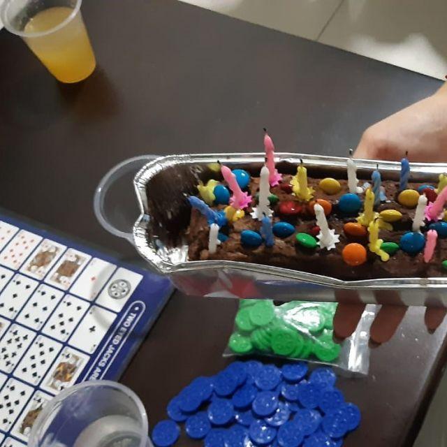 Geburtstagskuchen und Brettspiele