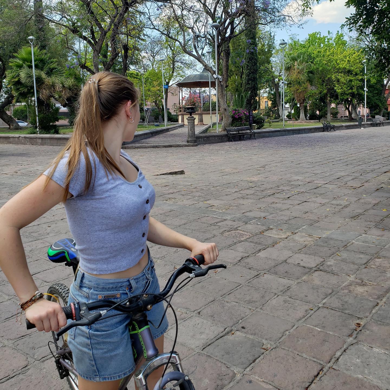 Während meines Aufenthaltes in Mexiko 2018 habe ich Pole Dance als neues Hobby…