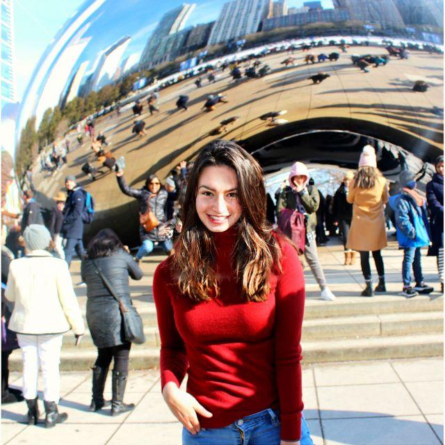 ich vor 'The Bean', eine der bekanntesten Sehenswürdigkeiten von Chicago