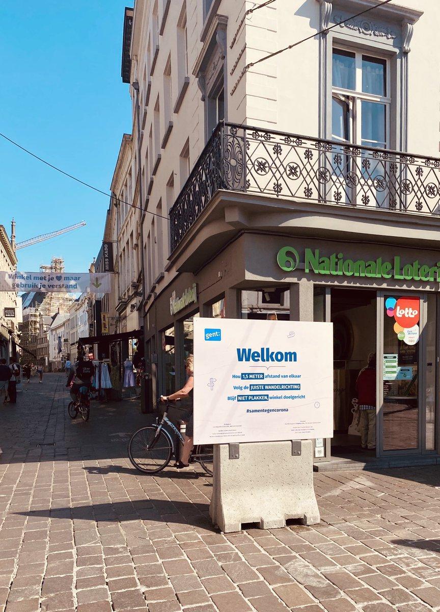 In #Gent informieren Schilder und Plakate zum richtigen Verhalten in Zeiten von…