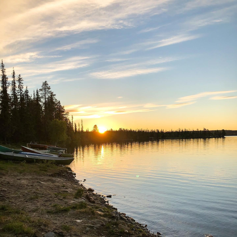 Zu Juhannus, besser bekannt als Mittsommer, wird in Finnland der längste Tag…