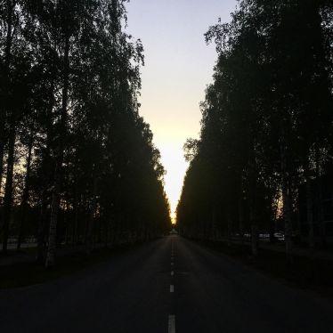 Nachts um 1 mit dem Rad nach Hause fahren, hallo Mitternachtssonne 🤗…