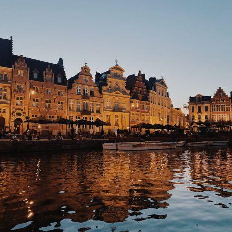 Der erste Abend in #Gent wurde direkt im schönen Stadtzentrum verbracht.…